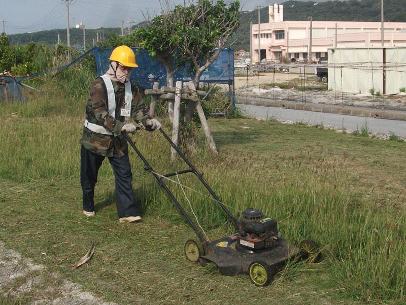 手押し草刈機